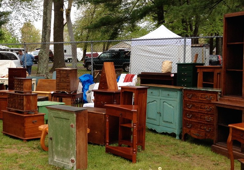 Tips on how to and sell antique and vintage furniture