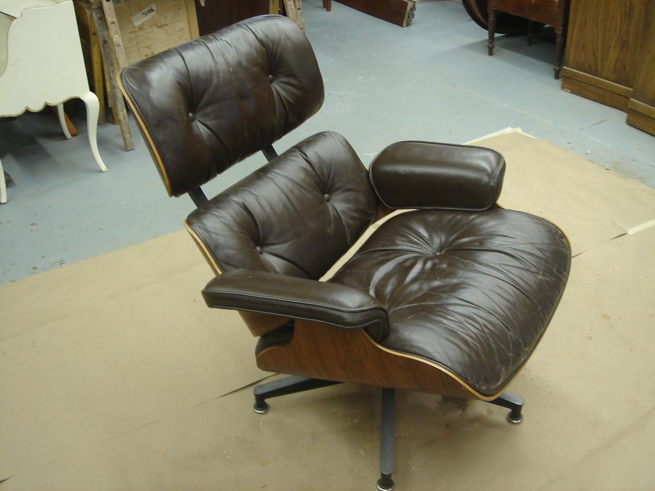 Eames Lounge Chair Shock Mount Repair : Tutorial
